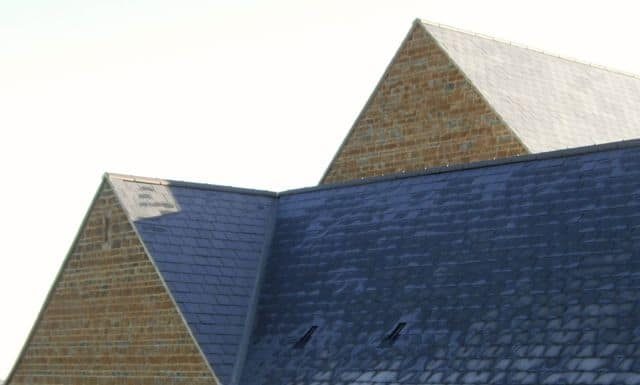 ironstone-new-build-gables