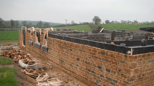 ironstone-new-build-stone-walls