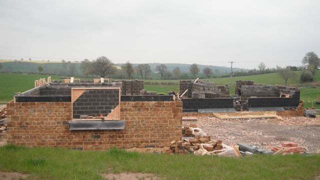 ironstone-new-build-walls-under-construction