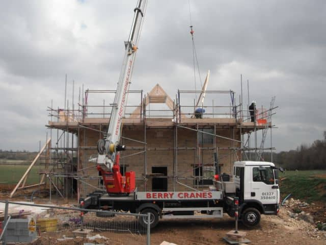 new-build-house-crane-attic-trusses